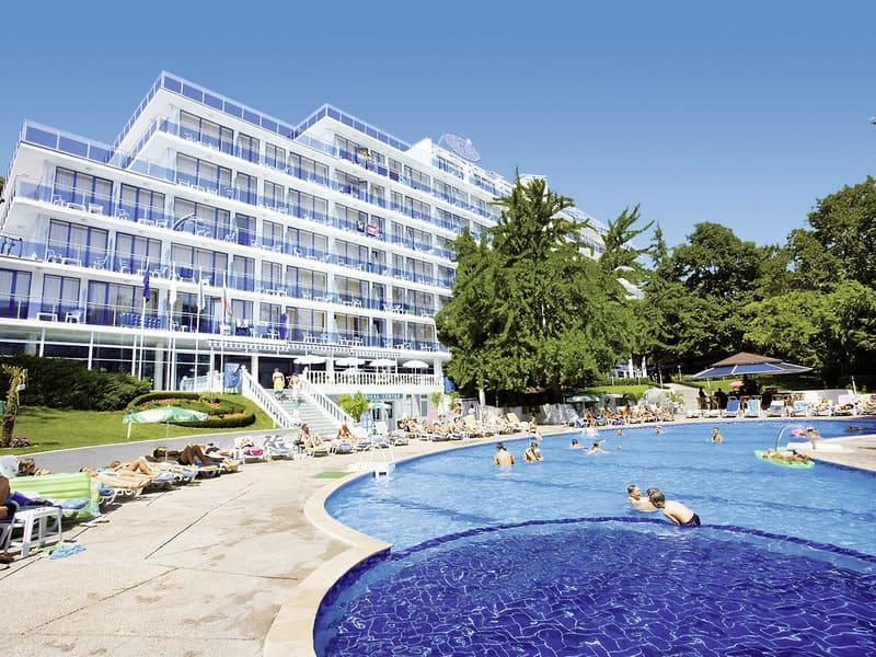 Poollandschaft vom 3 Sterne Hotel Perla am goldstrand