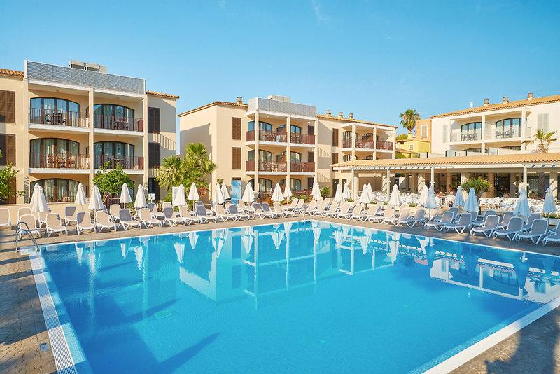 Protur Floriana Resort Aparthotel in Cala Bona Mallorca