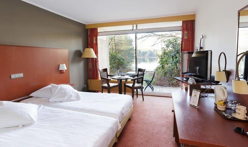 Schlafzimmer Beispiel mit See Blick