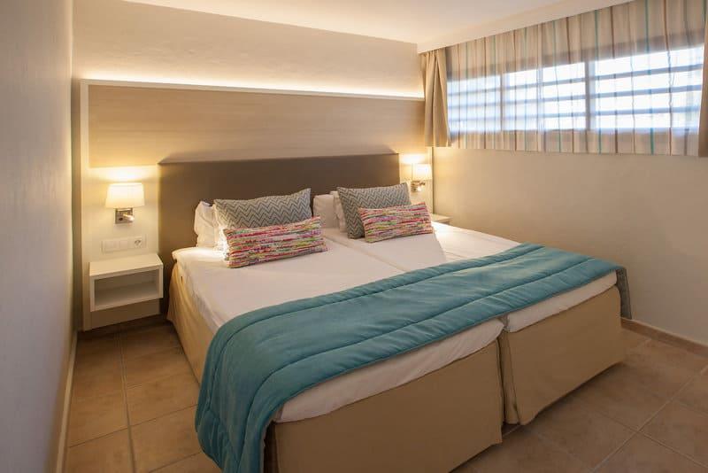 Schlafzimmer im guten 4 Sterne Hotel