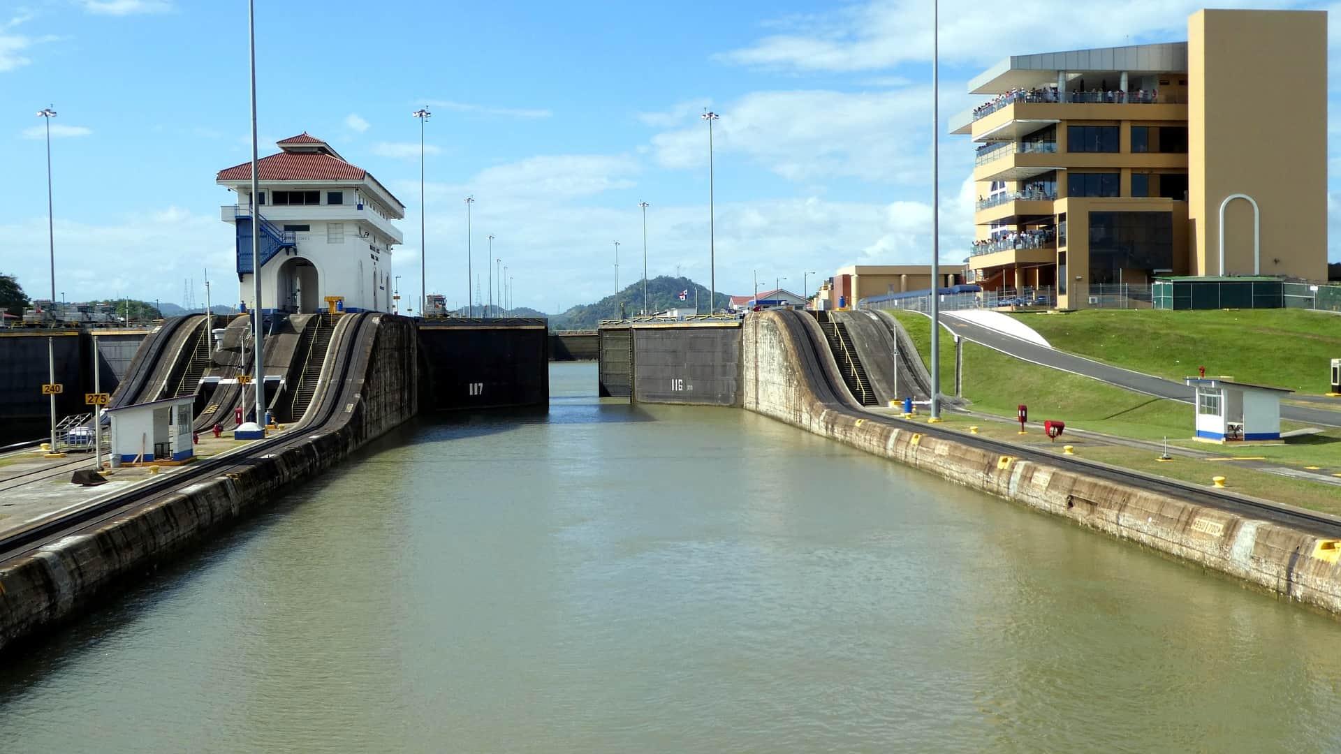 Typische Tour durch den Panama Kanal