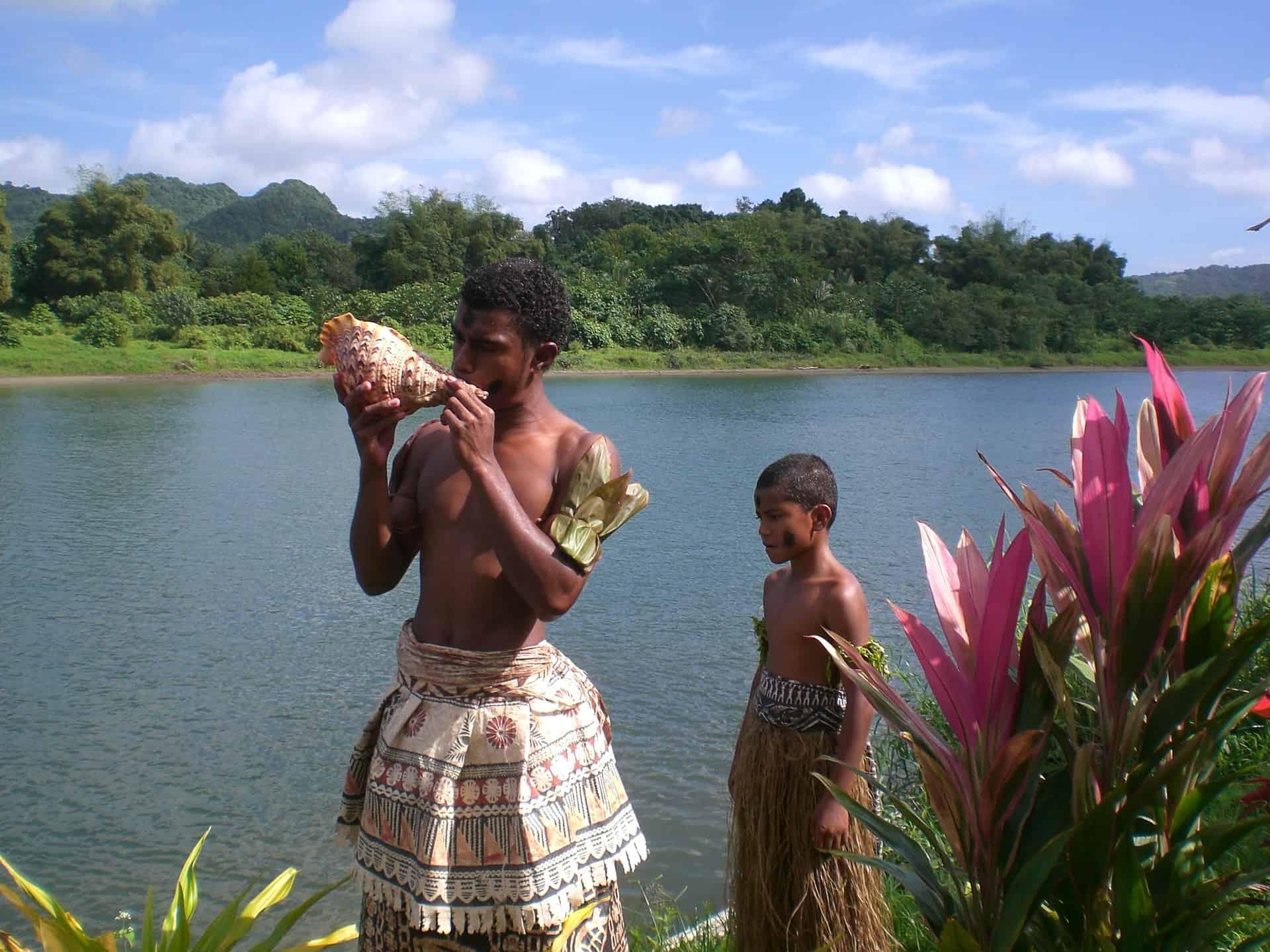 Ureinwohner & die Stämme im Regenwald besuchen