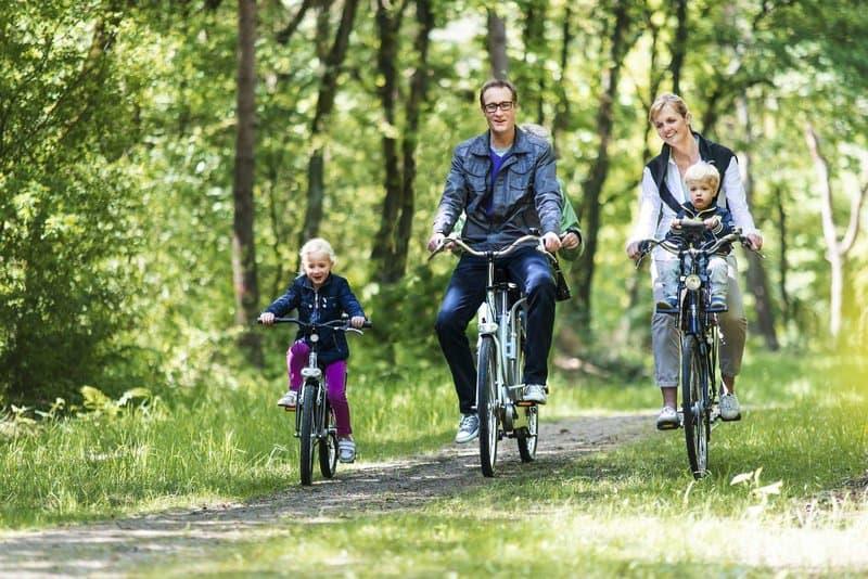 Welches Land bietet sich besser an als in den Ferien Radtouren zu machen als das flachland der Niederlande