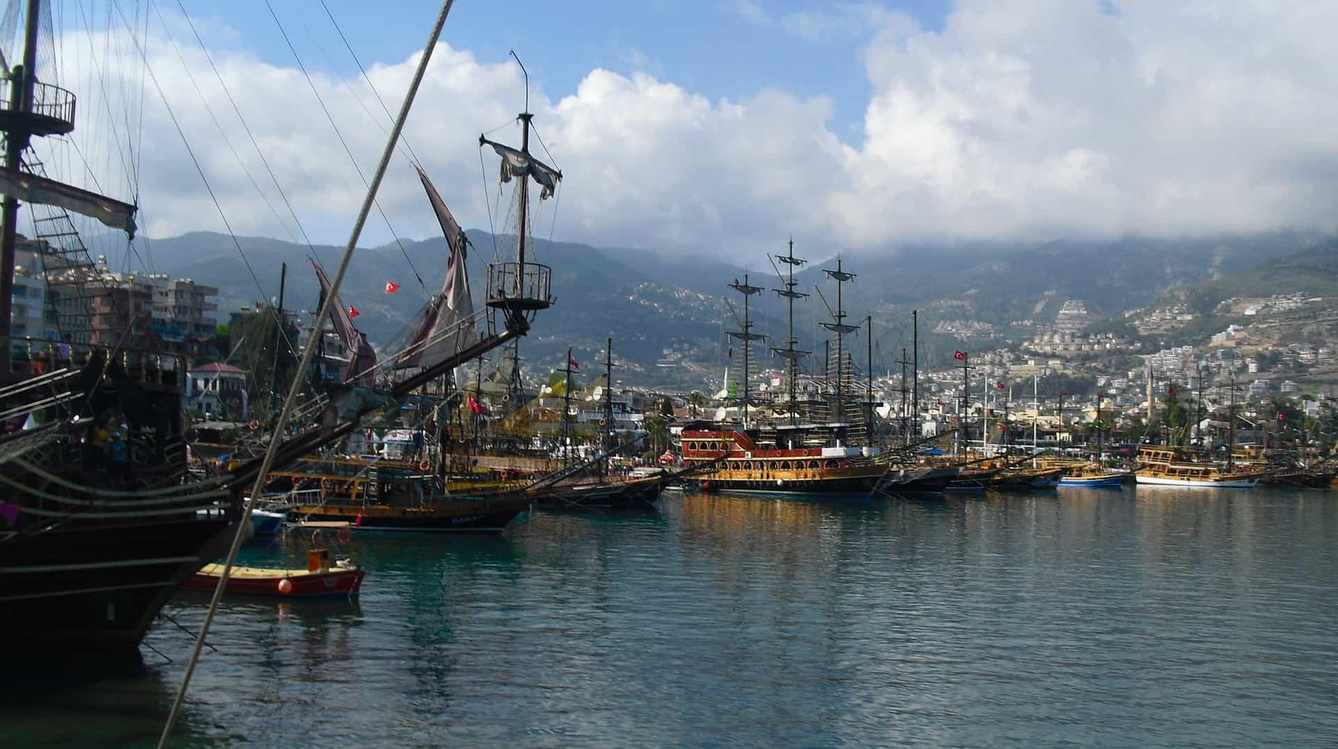 4 Stündige Bootstouren kosten circa 15,00€ vor Ort - Ich empfehle euch nur türkisceh Lira auf das Boot zu nehmen - Preise werden in € ausgeschildert