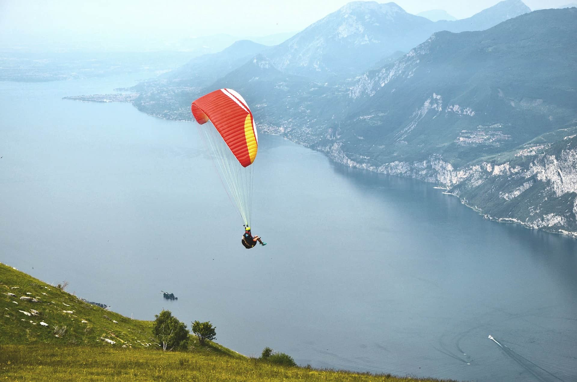 Aktivurlaub am See in Malcesine von Seilbahnen bis zum Skydiving