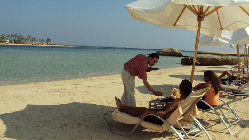 Hoteleigener Strand Sie werden auch bis zum Strand bedient Marsa Alam & Quseir All Inclusive