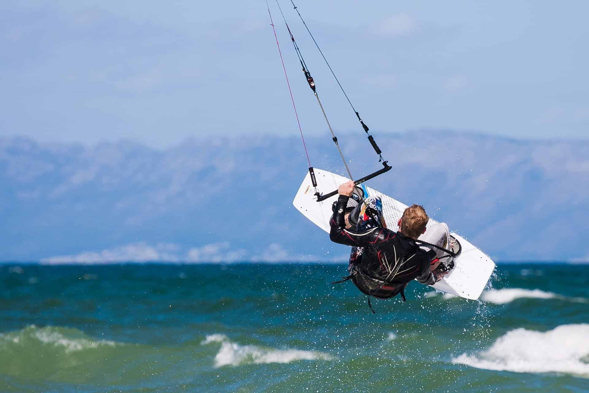 Kite Board am Strand - Aktivurlaub in Südafrika