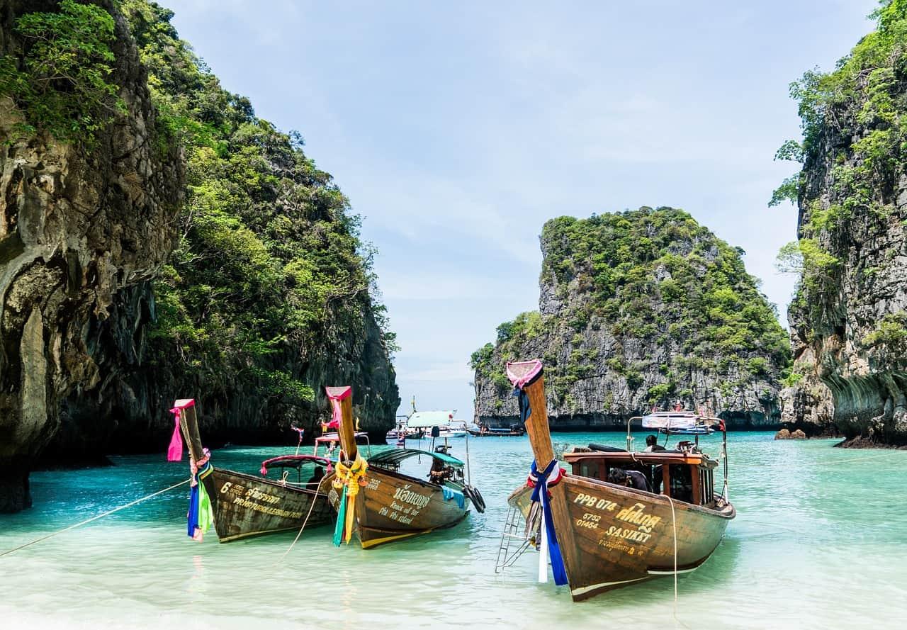 Mit den Booten kosten günstig Inselhopping Touren