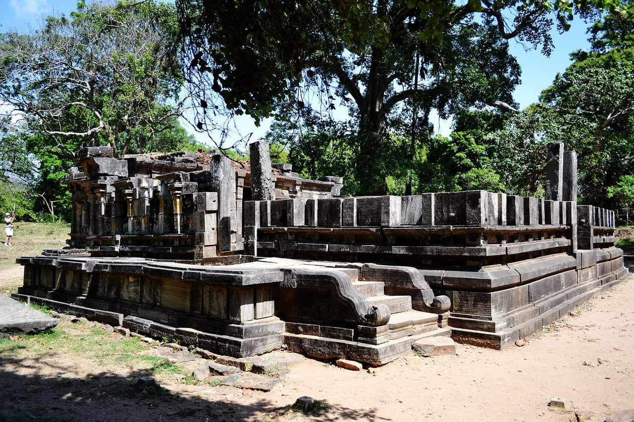 Polonnaruwa Ruinen der Königsstadt - Sri Lanka Flüge