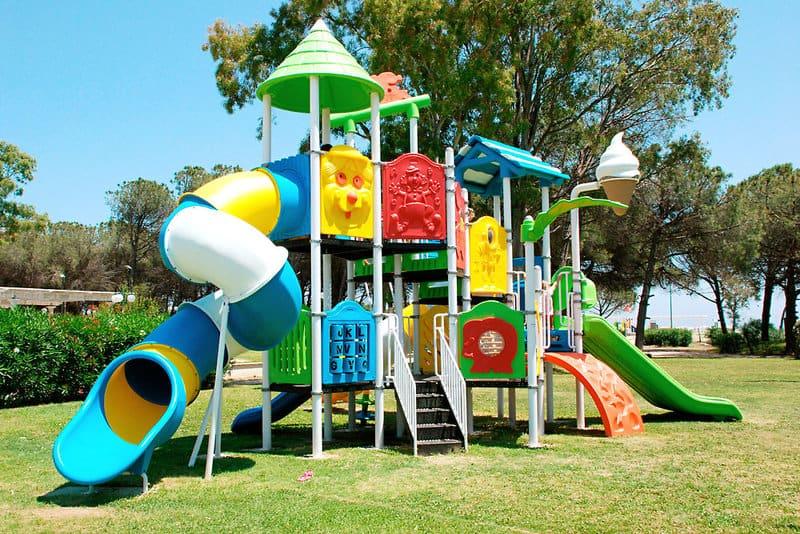 Spielplatz mit direkter Strandlage - Single Urlaub mit Kind