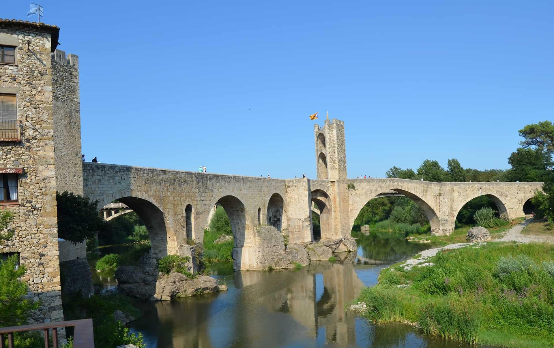 Städtereise Girona Flug nur 1,48€ Römer Brücke