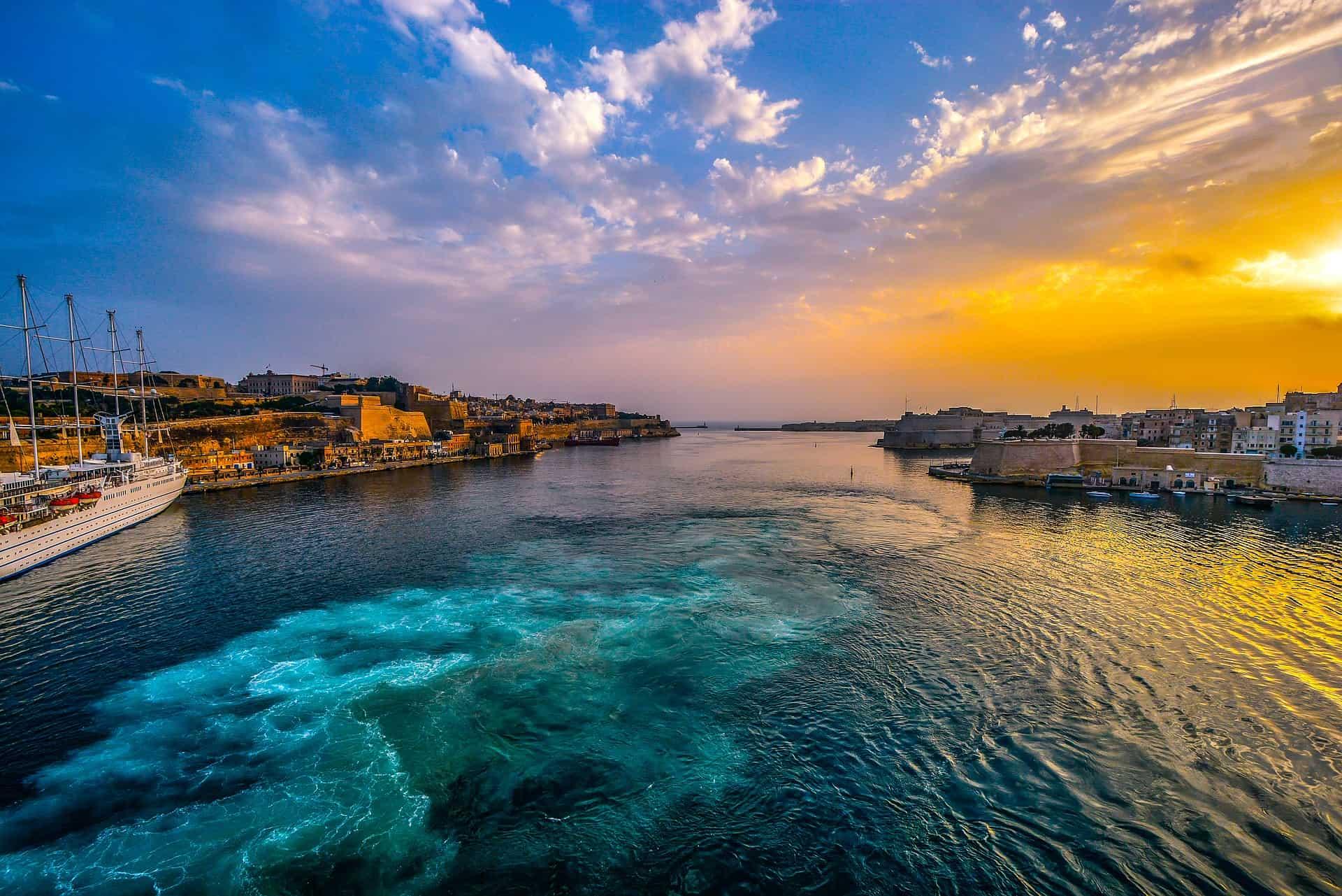 Valetta der Hotspot für einen Malta Urlaub - Hafen & Altstadt