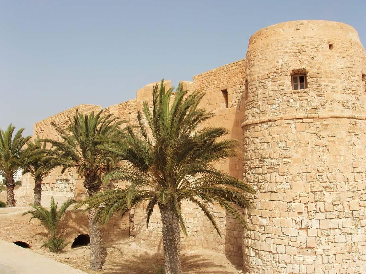 Castle die Sehenswürdigkeiten auf der Insel sind bemerkenswert - Tunesien Reisen