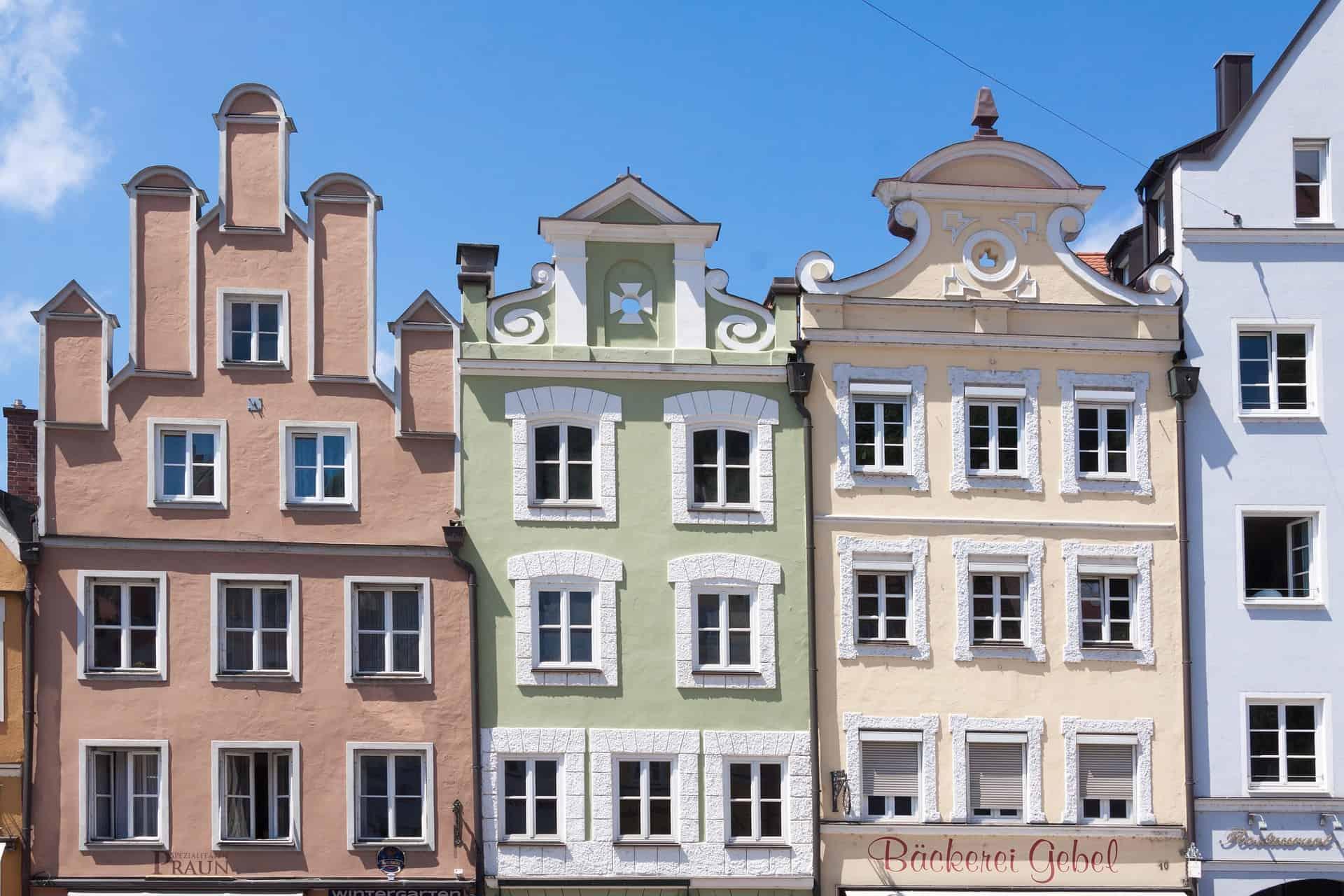 Fassaden reichen sogar bis ins frühe Mittelalter zurück