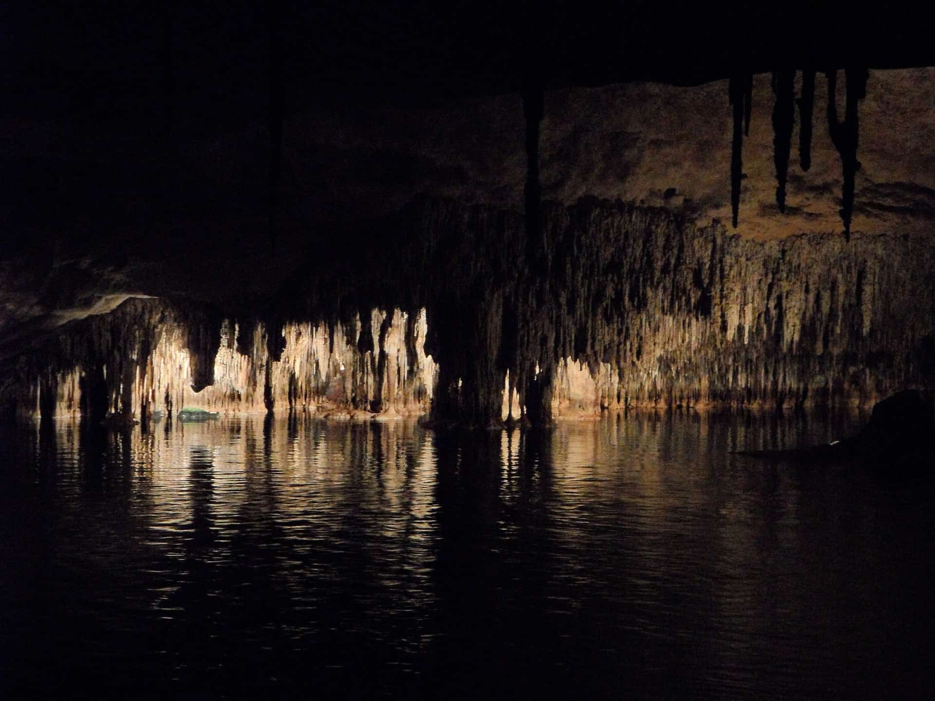 Tagesrundreise in die Coves dels Hams - Drachenhöhle Porto Cristo