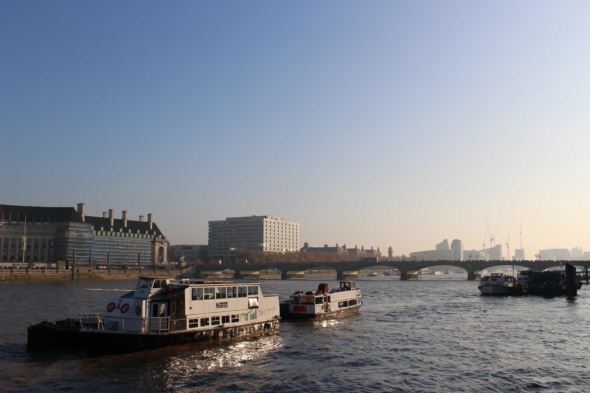 Themse Flusskreuzfahrt mit Dinner
