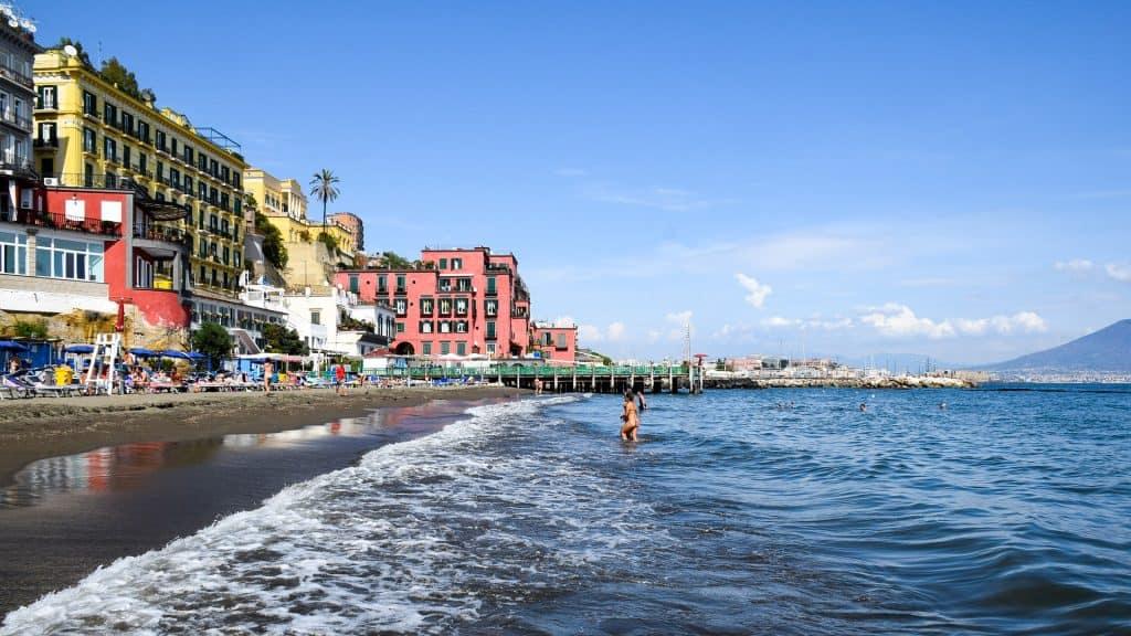Kampanien Urlaub Italien - Stadtstrand
