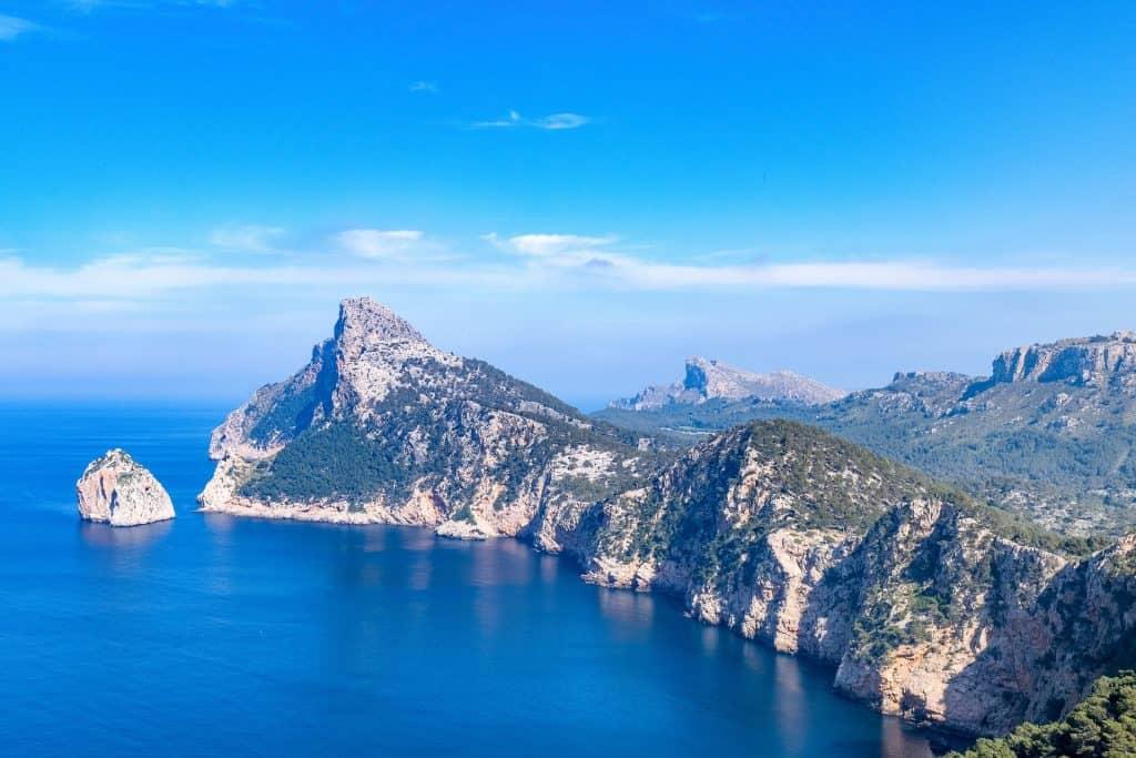 Mallorca Flug - Mit dem Mietwagen die Insel erkunden