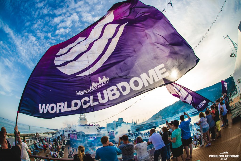 World Club Dome im Mittelmeer