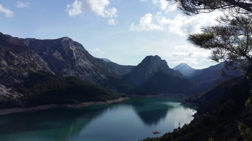 Das Gebirge im Landes innere ist wunderschön - ein Paradies für Wanderer