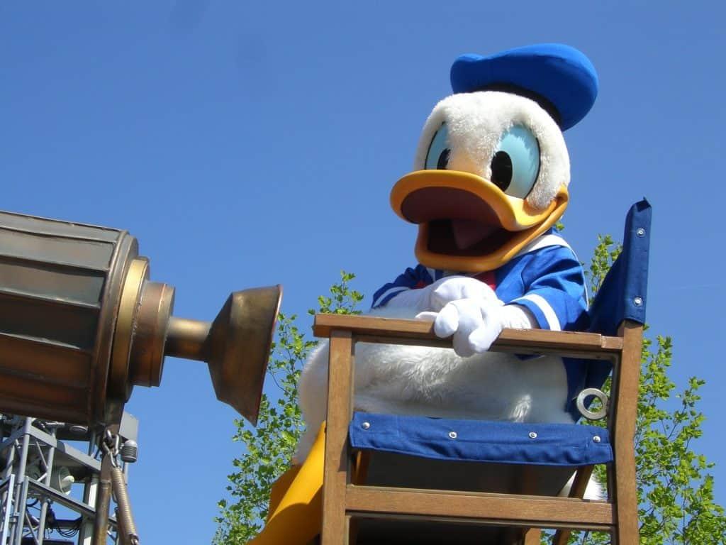 Donald Duck im Disney Land - für jeden die Helden dabei