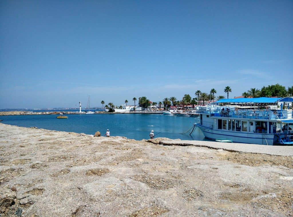 Fahrt aufjedenfall mit dem Boot mal raus, ich empfehle die Währung immer gewechselt dabei zu haben