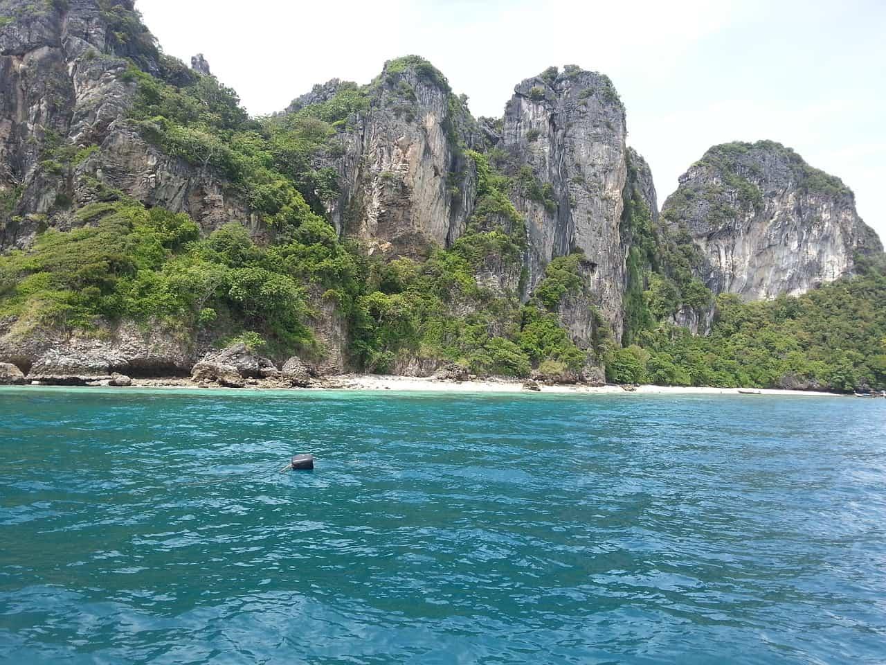 Flug nach Thailand in eine atemberaubende Kulisse