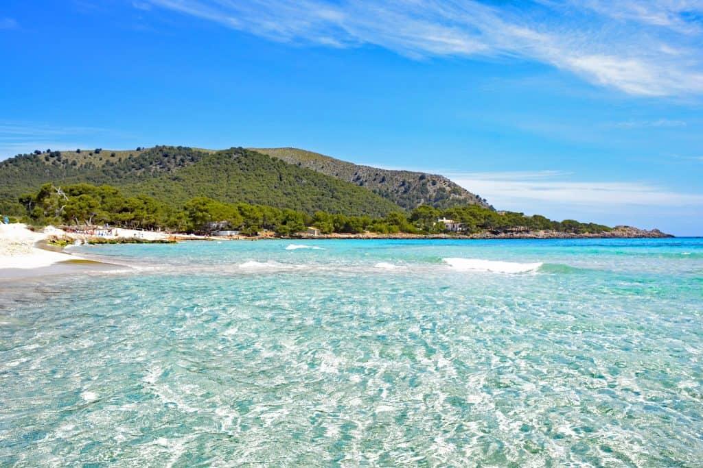 Strand direkt in Cala Ratjada - Cala Agulla