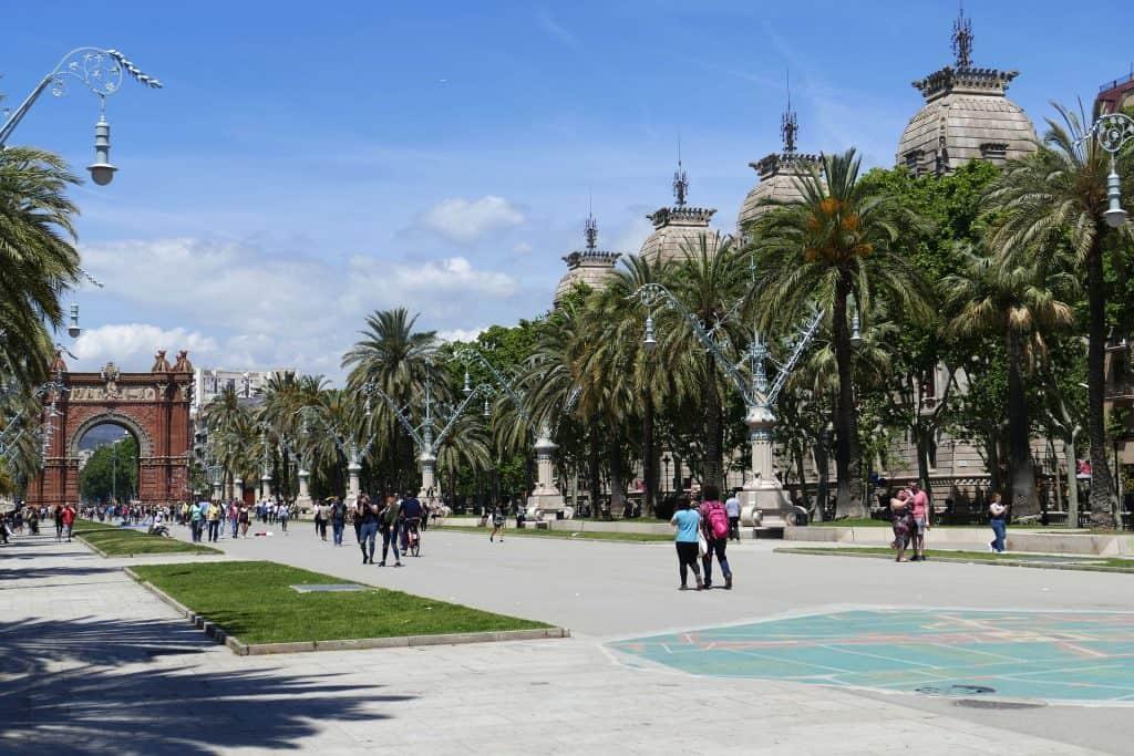 Taucht ein in die Geschichte und traditionen Kataloniens