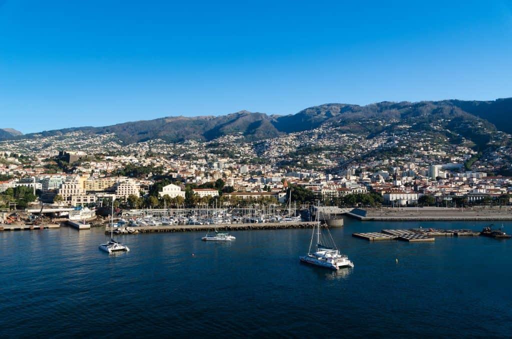 4 Sterne Madeira - meiner Meinung nach habt Ihr in dem Hotel den besten Guide