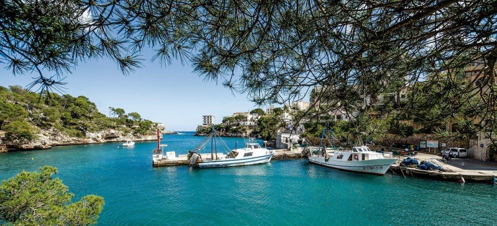 Die balearische Insel ist atemberaubend schön - Privatbootstour