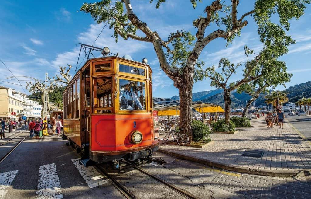 Ein muss für Inselliebhaber - von Palma mit der Inselbahn nach Port de Soller