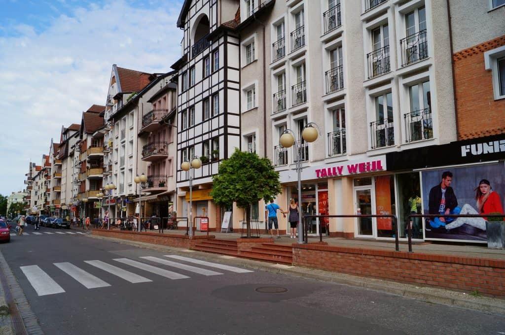 Historische Ortskern mit einigen Geschäften zum Schopping