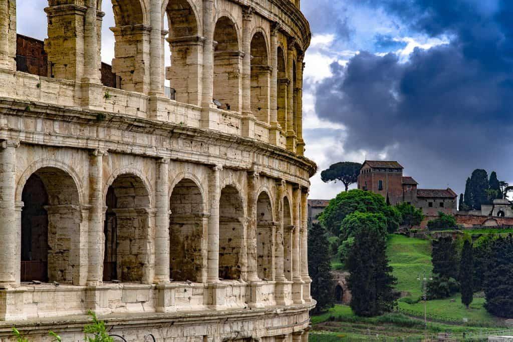 Colosseum in der Stadt aus der Römerzeit