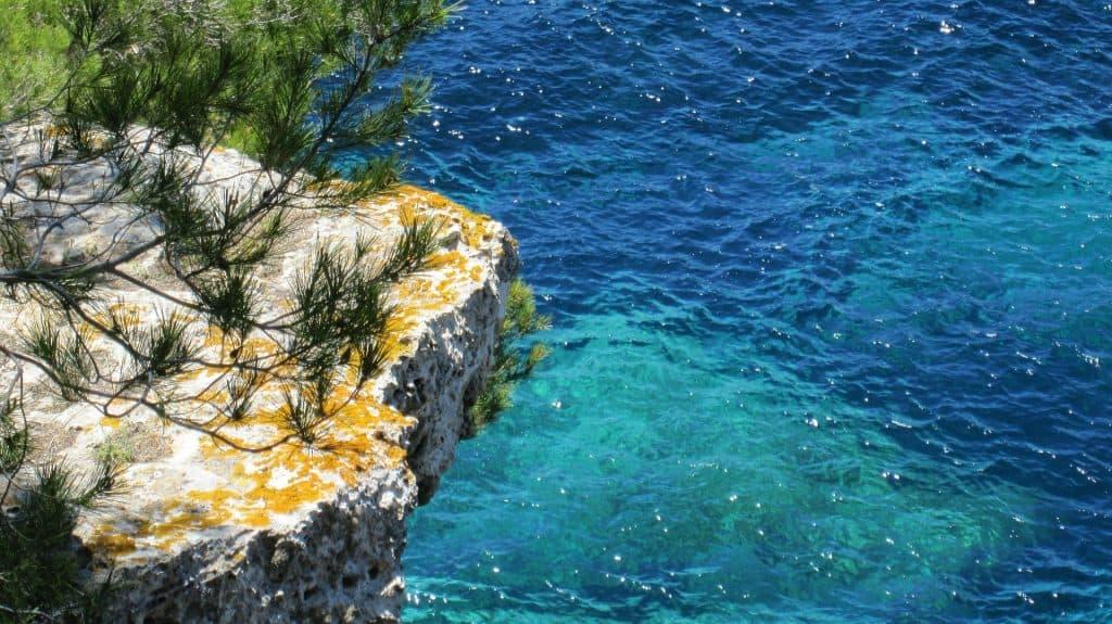 Glasklares Wasser auf den Balearischen Inseln