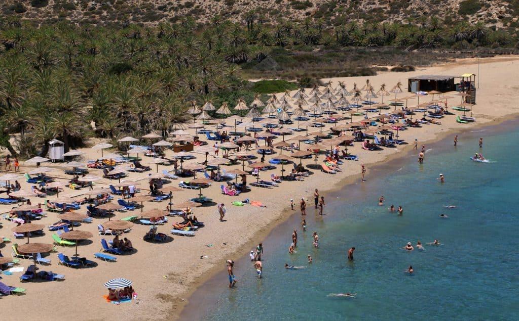 Strandliegen auf den griechischen Inseln sind sehr ruhig kaum Strandverkäufer