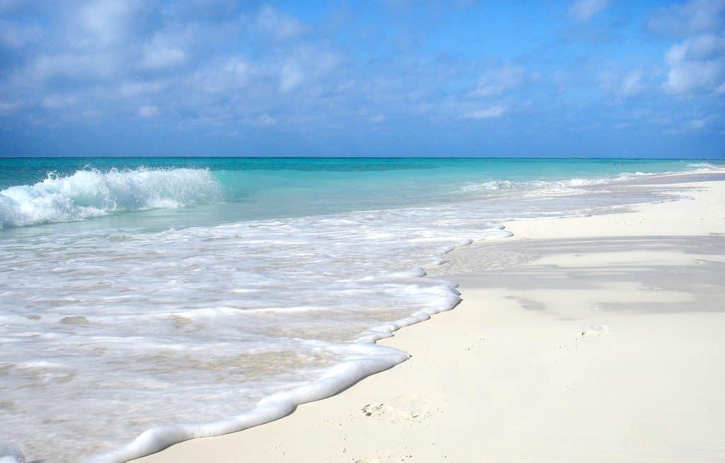 Weiße Sandstrände - glasklares Wasser