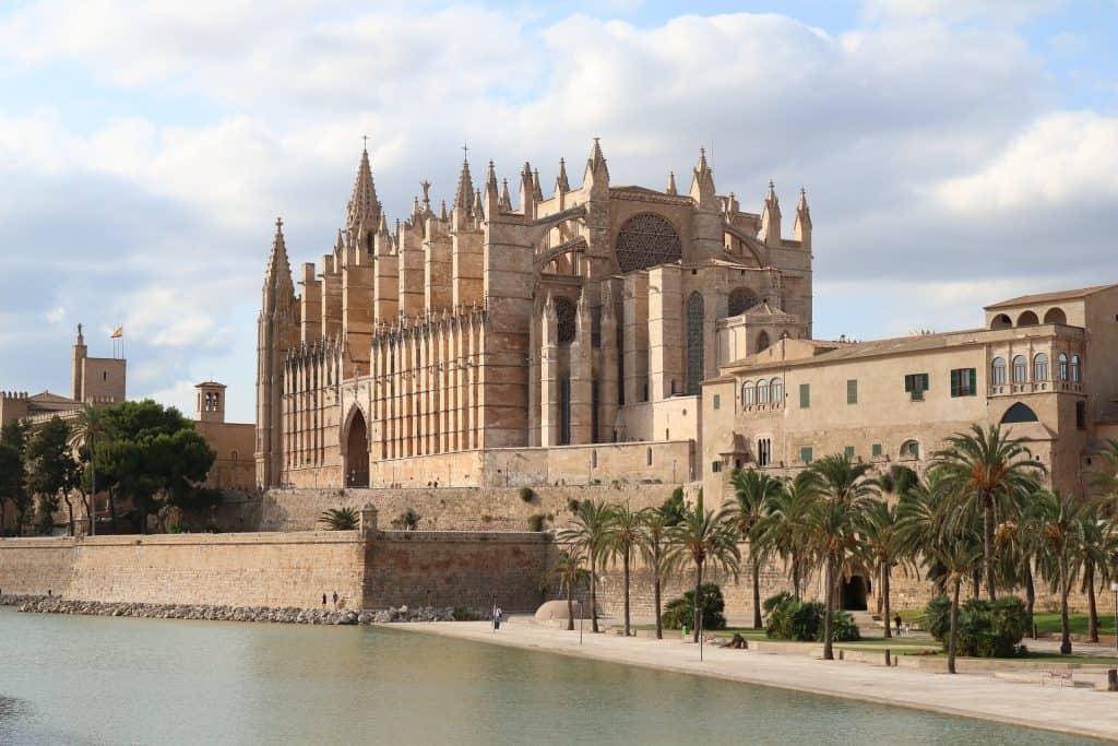 2 Wochen Mallorca - wusstest du das in Palma Stadt über 500.000 Menschen wohnen