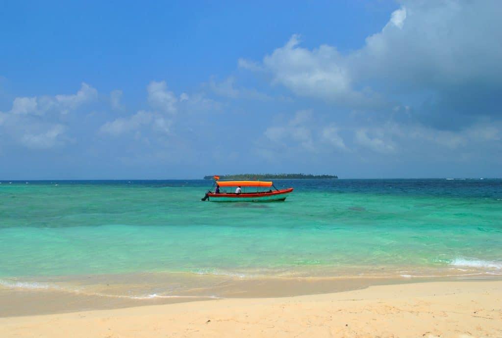In der Provinz Bocas del Toro und am Playa Estrella werden Badeträume war