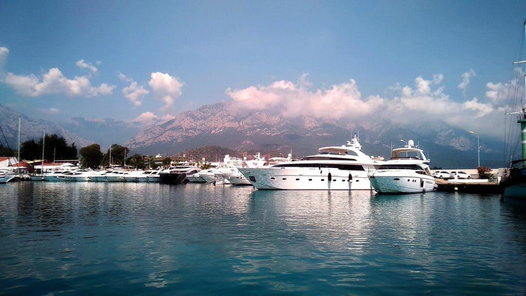 Kemer Urlaub - Aufjedenfall eine Rundfahrt mit einem Boot planen