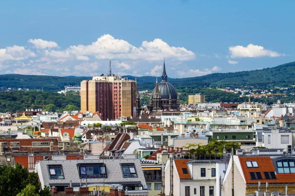 Oft findet man in Wien absolute schnäppchen für Pauschalreisen & einen Städte Trip kann man auch so mal hier machen - man fliegt mit Laudamotion extrem günstig nach Österreich