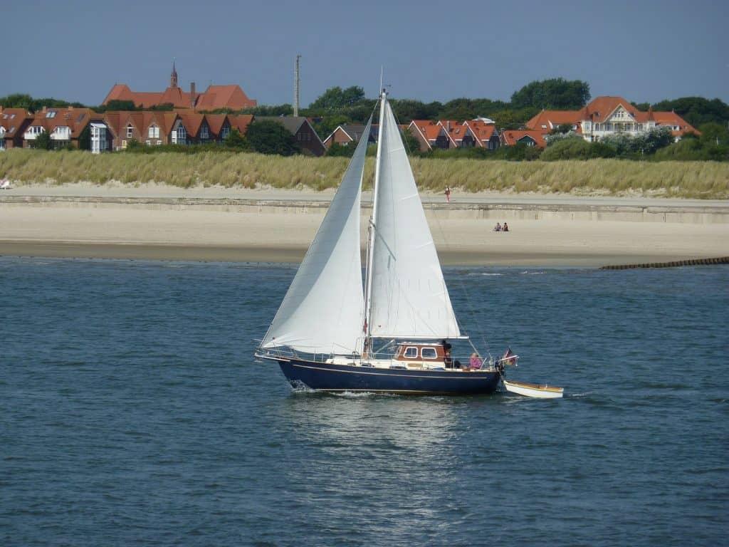 Wenn das Meer ruhig ist empfehle ich euch mit dem Segelboot rauszufahren
