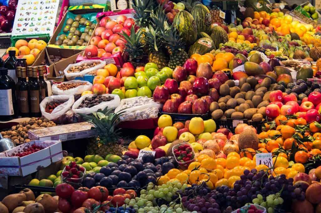 Auf dem Markt in Marokko kann man bummeln - wichtig ist vergisst nicht zu handeln egal bei was
