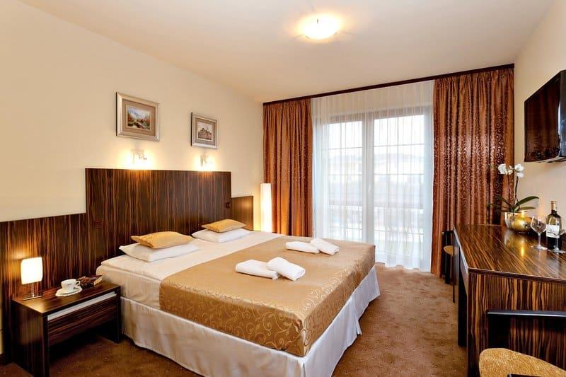 Hotelzimmer sind modern ausgestattet