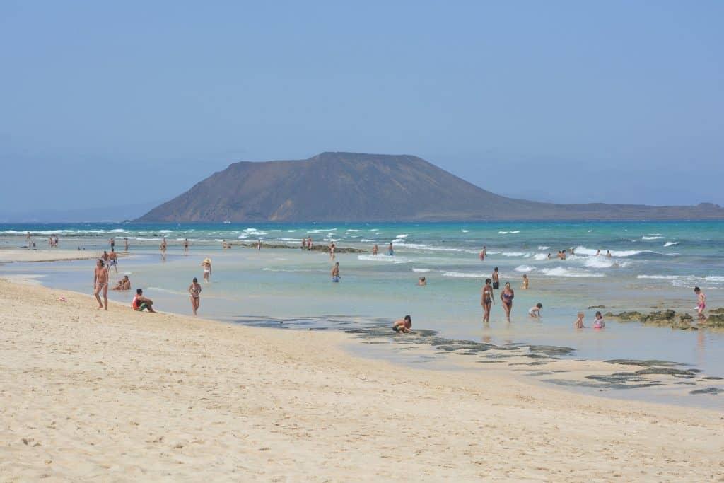 Isla de Lobos schon ab 15,00€ kann man einen Tag auf die Insel reisen
