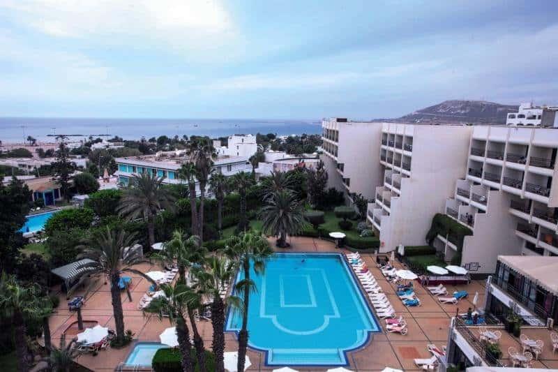 Poollandschaft der 4 Sterne Unterkunft in zentraler Lage an der Promenade Agadirs