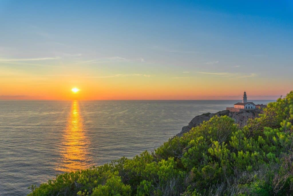 Sonnenuntergang schon früh am Morgen