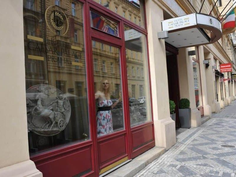 8. Caesar Prague 4 Sterne