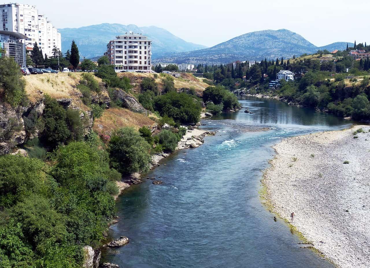 Flüge nach Podgorica in die Hauptstadt direkt an den Sveti Stefan Inseln nur 5,00€