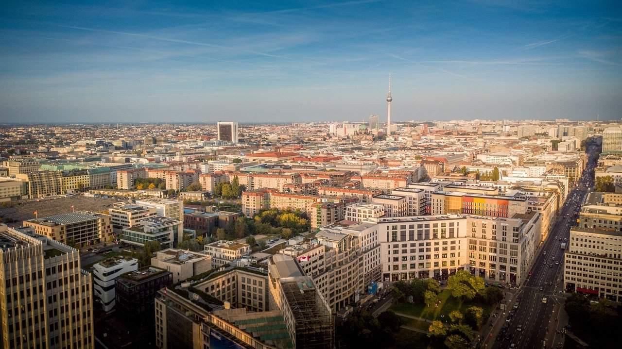 Flug Luxemburg Berlin - nur 9,99€ Billigflug mit Ryanair